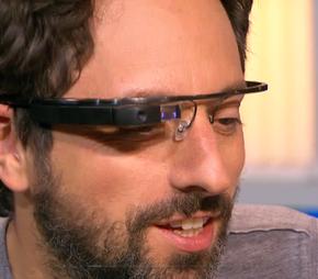 Les lunettes connectées Google devraient être commercialisées en2013