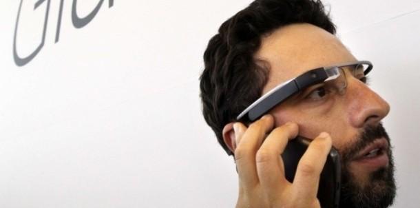 3943645-video-google-en-dit-plus-sur-ses-lunettes-intelligentes