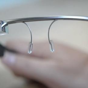 Les premières Google Glass arrivent chez lesacheteurs