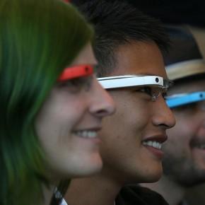 Microsoft : des lunettes connectées pour contrer les Google Glass?