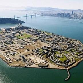 L'espace interactif de Google au large de San Francisco sur une mystérieusebarge