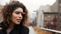 google-glass-les-porteurs-de-lunettes-devront-se-munir-des-lentilles-de-contacts-pour-utiliser-le-dispositif-de-google_60580_w250
