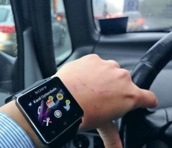 Une amende pour l'utilisation d'une montre ou de lunettes intelligentes au volant ? C'est le juge quidécide