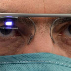 Santé. Le chirurgien opère avec des Googleglass