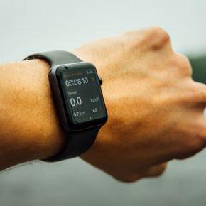 Montres et bracelets connectés : le marché va profiter d'un fort effet demode