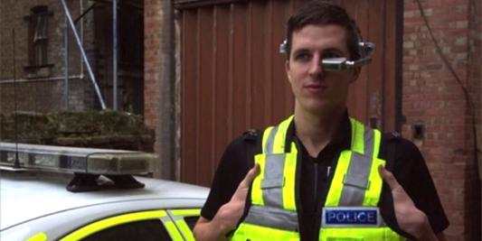 5-LI-qui-peuvent-bousculer-les-Google-Glass-3