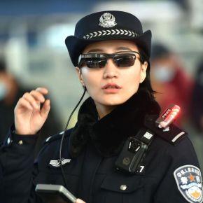 Chine : des policiers équipés de lunettes connectées pour les contrôles d'identité