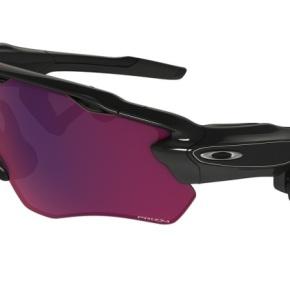 Ces lunettes de sport Oakley servent de coachsportif